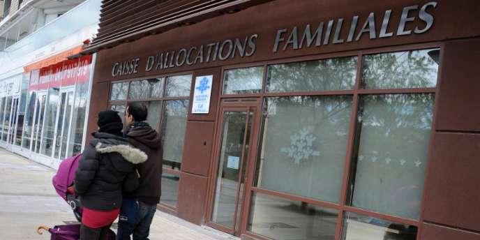 Les mesures sur les allocations familiales doivent être annoncées lundi 3 juin par Jean-Marc Ayrault.