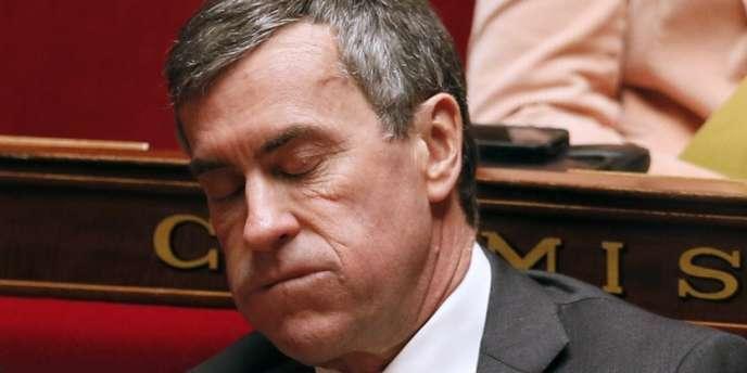 Mentir dans l'hémicycle du Sénat ou de l'Assemblée nationale n'est pas pénalement condamnable. Pour le moment.