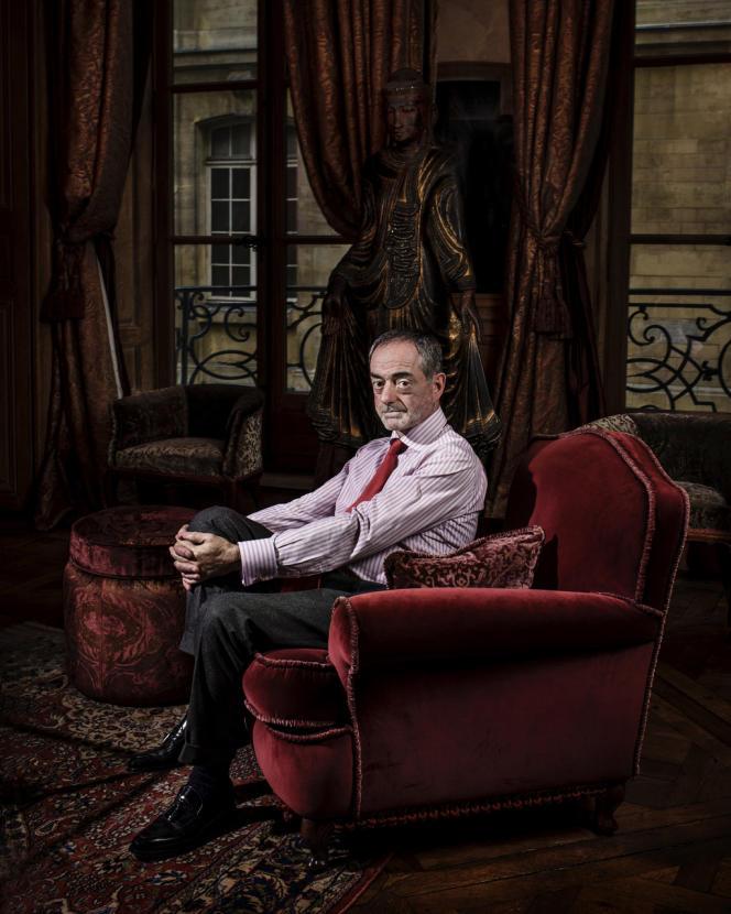 Jean-Jacques Augier dans son appartement parisien en janvier.