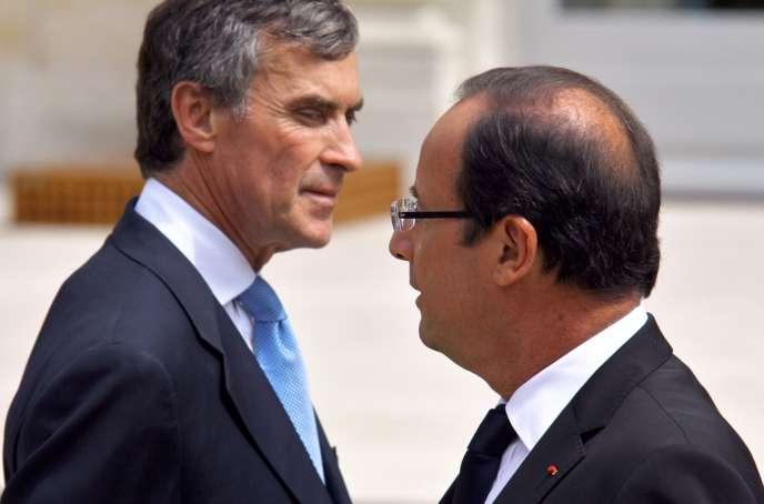 Le 4 juillet 2012, Jérôme Cahuzac, alors ministre délégué en charge du budget, et François Hollande, lors du premier conseil des ministres du gouvernement Ayrault 2.