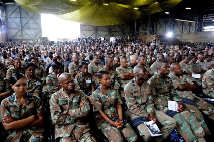 Cérémonie sur une base de Pretoria à la mémoire des soldats sud-africains tués à Bangui le 24 mars.