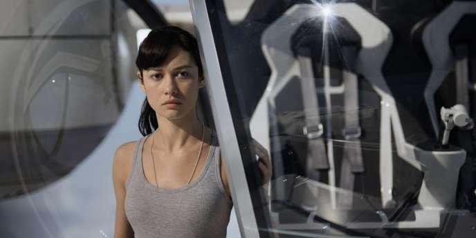 Olga Kurylenko dans le film américain de Joseph Kosinski,
