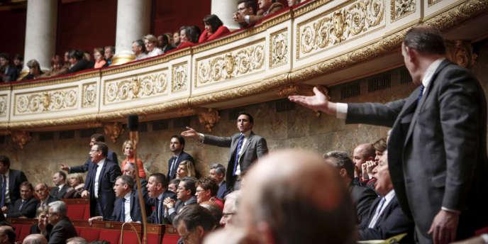 Les rangs de la droite à l'Assemblée lors des questions au gouvernement, mercredi 3 avril.