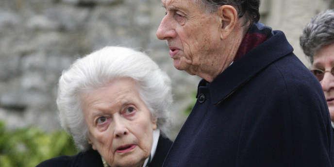 Née le 15 mai 1924, Elisabeth de Gaulle avait épousé le 3 janvier 1946 à Paris Alain de Boissieu qu'elle avait rencontré à Londres où ce jeune officier s'était rendu en 1942 après une évasion spectaculaire.