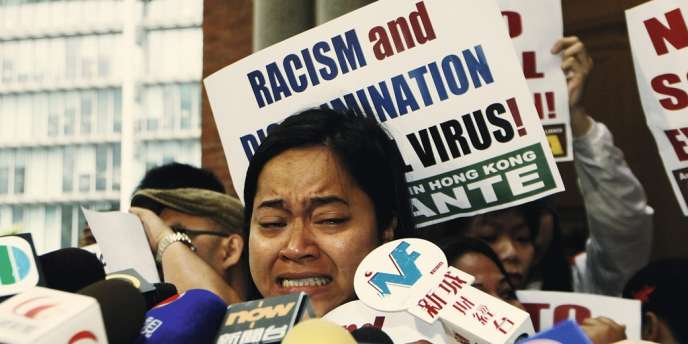 Manifestation d'employées de maison devant la Cour suprême, le 25 mars. Plus de 300 000  domestiques  philippines et indonésiennes travaillent à Hongkong.