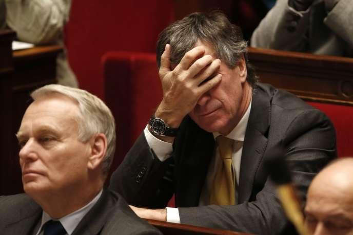 Jean-Marc Ayrault et Jérôme Cahuzac lors d'une séance de questions au gouvernement, le 11 décembre 2012.