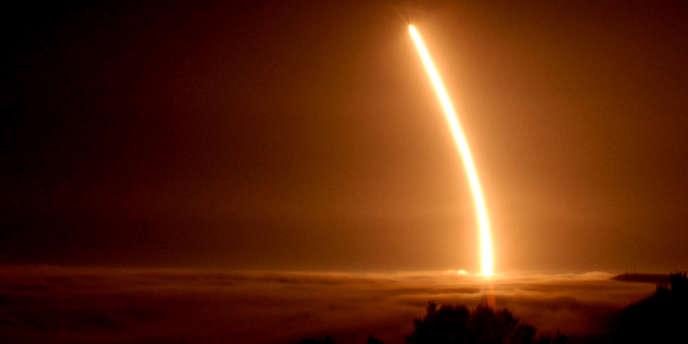 L'essai de ce Minuteman 3, missile balistique intercontinental à ogives nucléaires, devait avoir lieu depuis la base aérienne de Vandenberg en Californie.