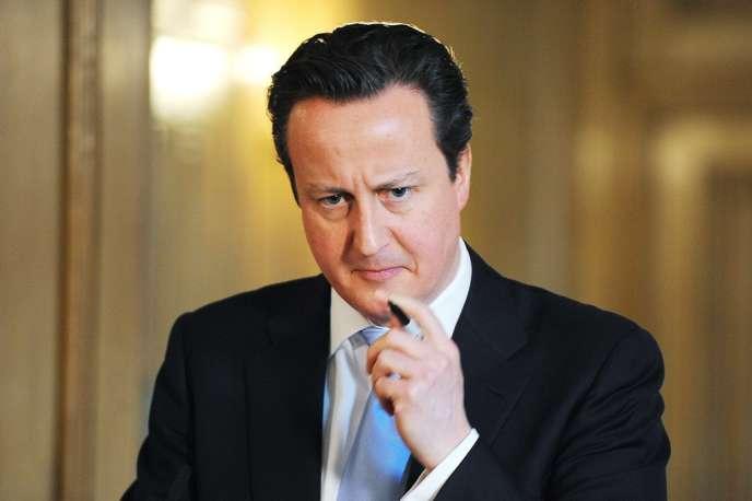 Le premier ministre britannique David Cameron, doit rencontrer, lundi 8 avril, le président François Hollande lors d'un dîner à l'Elysée dans le cadre d'une tournée européenne qui doit le conduire également à Madrid et à Berlin.