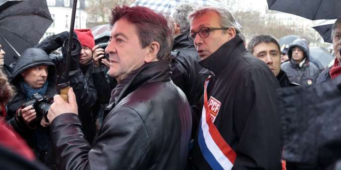 Jean-Luc Mélenchon et Pierre Laurent, à Paris, le 9 avril.