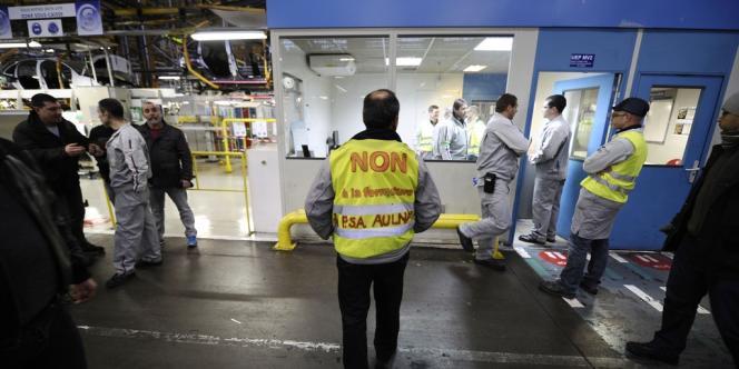 Dans l'usine PSA d'Aulnay-sous-Bois, le 28 janvier.