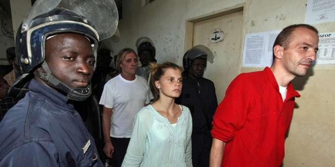Eric Breteau, président de l'Arche de Zoé et Emilie Lelouche, sa compagne, en décembre 2007 à N'Djamena au Tchad.