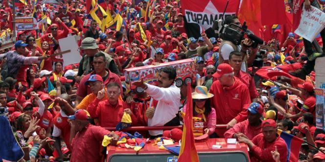 Dernier meeting de campagne pour Nicolas Maduro, président par intérim et candidat du Parti socialiste unifié du Venezuela, le 11 avril.