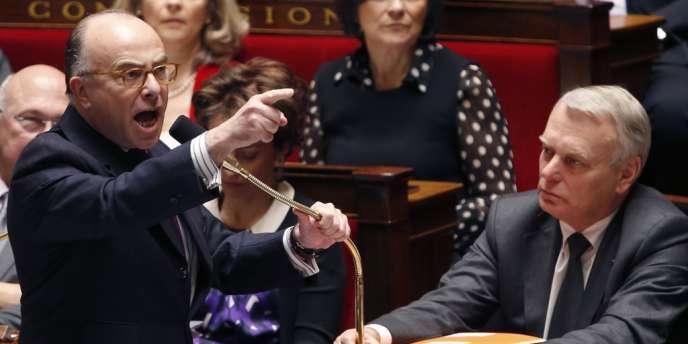 Le ministre du budget, Bernard Cazeneuve, le 9 avril à l'Assemblée nationale.