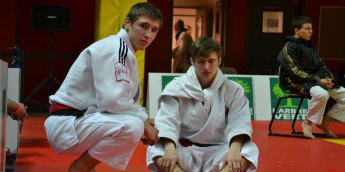 Florent et Vincent Manquest, samedi 6 avril à l'institut national du judo, avant leurs finales respectives en -60 kg et -55 kg.