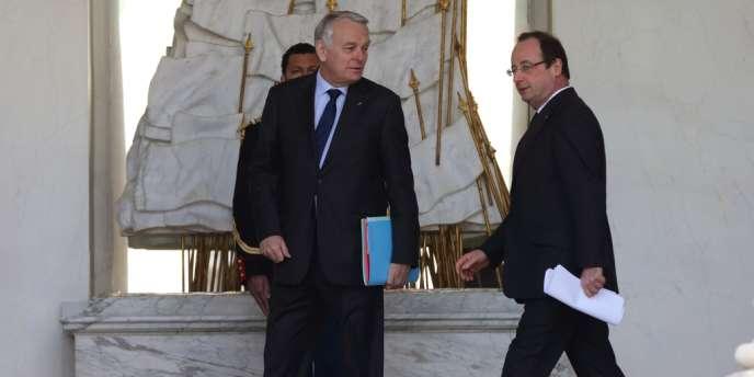 La cote de popularité de François Hollande a connu une hausse de 4 points en mai par rapport à avril, avec 29 % de satisfaits, selon un baromètre de l'IFOP.