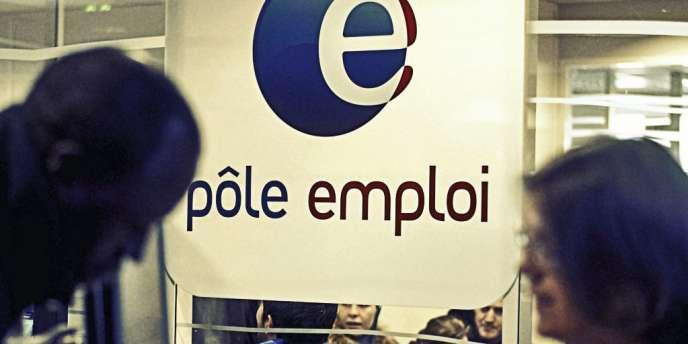 3 millions C'est le seuil que  pourrait atteindre le nombre de chômeurs indemnisés par Pôle emploi (2,9 millions  en février). Mais en matière de chômage, existe-t-il encore des caps symboliques ?