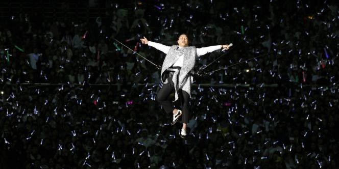Le chanteur sud-coréen PSY, lors d'un concert à Séoul, le 13 avril.