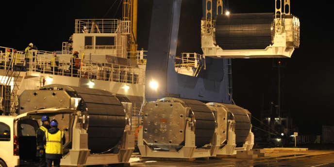 Des assemblages de MOX entreposés dans le bateau