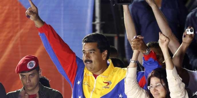 Nicolas Maduro et sa femme à Caracas dimanche 14 avril, après sa victoire à la présidentielle.