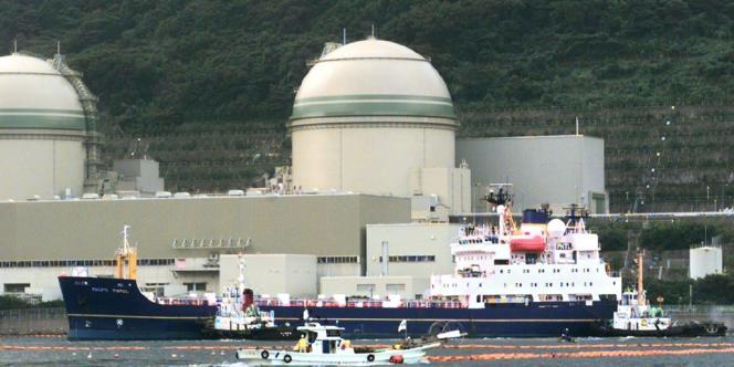 Arrivée de MOX en octobre 1999 à la centrale de Takahama.