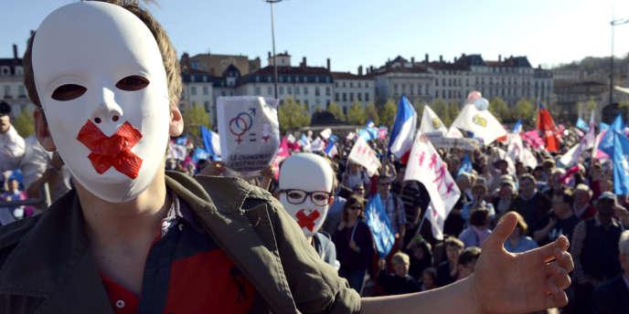 Des militants anti mariage gay dimanche 14 avril à Lyon.