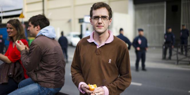 Bertrand de Villèle, 21 ans, a passé seize heures en garde à vue pour avoir tenté d'installer des tentes devant l'Assemblée nationale.