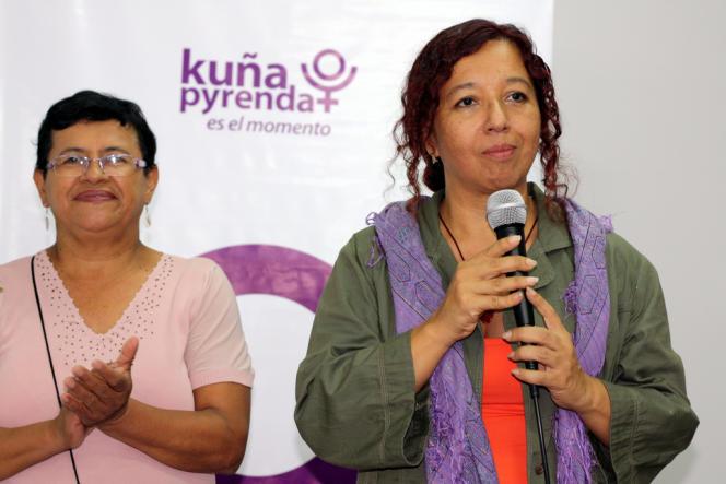 Magui Balbuena et Lilian Soto, lors de l'annonce de leur candidature, le 1er mars.
