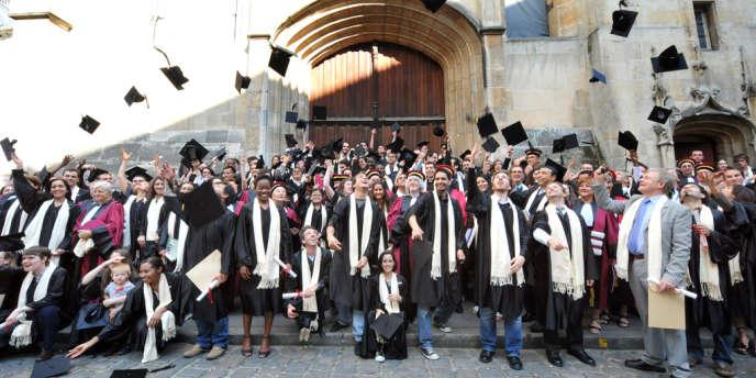 Cérémonie de remise de diplômes de l'université Paris-VI Pierre-et-Marie-Curie (UPMC), en 2009.
