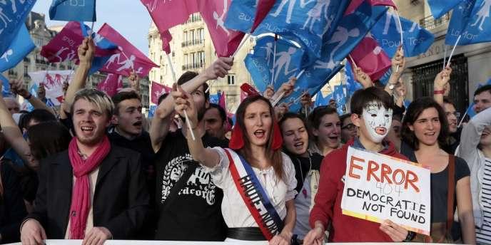 Les organisateurs affirment que 6 000 à 7 000 personnes se sont déplacées jeudi soir pour manifester leur opposition au mariage gay, en discussion en seconde lecture à l'Assemblée nationale.