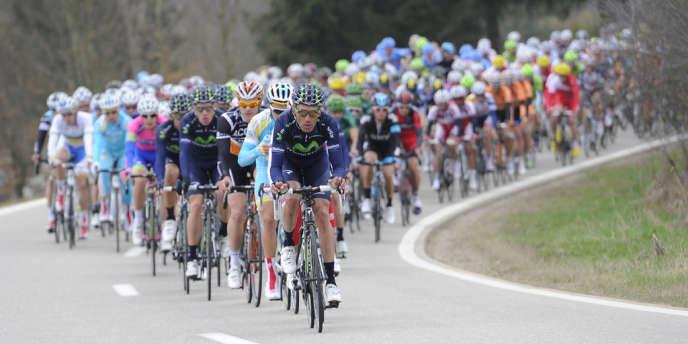 99e édition de la classique Liège-Bastogne-Liège, dimanche 21 avril. Alejandro Valverde mène alors le peloton.