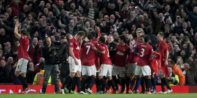 Manchester a remporté lundi 22 avril son match face à Aston villa, lui permettant d'être assuré de remporter le championnat pour le vingtième fois.