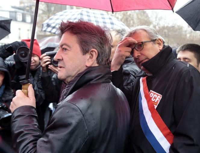 Jean-Luc Mélenchon (Parti de gauche) et Pierre Laurent (Parti communiste) ont manifesté contre l'accord emploi, le 9 avril.