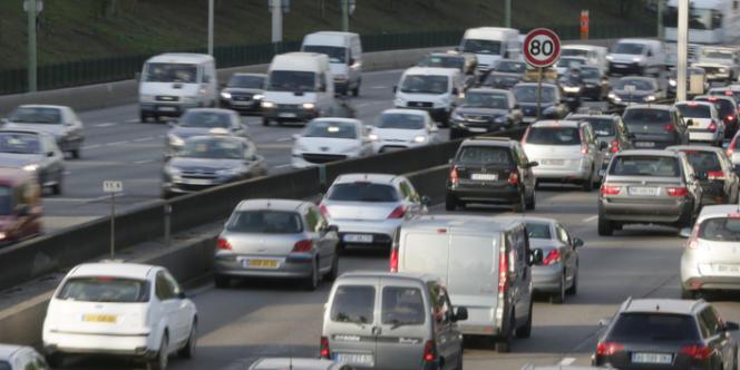 Le nombre d'accidents corporels est cependant en hausse de 9,8 %, 4 106 accidents étant enregistrés en février 2014 (3 740 en février 2013), soit 366 accidents corporels supplémentaires.