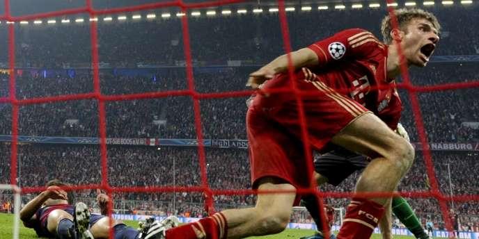 Thomas Müller fête son doublé contre le Barça, le 23 avril à Munich.