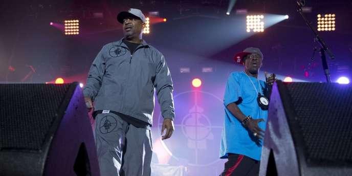 Le groupe de hip-hop américain Public Ennemy sur la scène du Printemps de Bourges.