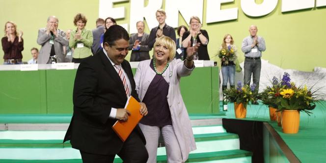 Sigmar Gabriel et Claudia Roth au congrès des Verts, le 27 avril à Berlin.