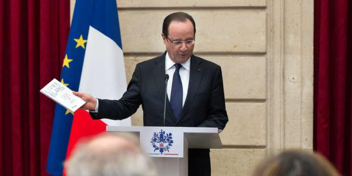 François Hollande s'est vu remettre le 29 avril le Livre blanc de la défense.