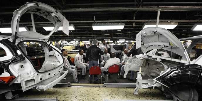 Les salariés de l'usine PSA ont mis fin à quatre mois de grève.