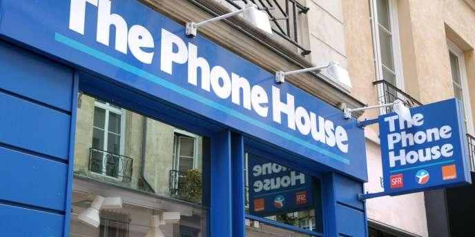 The Phone House compte 1100 salariés, dont 900 dans le réseau de distribution et 200 en logistique.