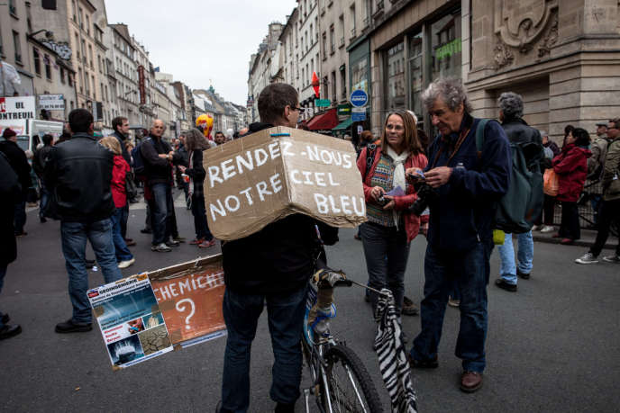 Dans la manifestation parisienne, mercredi.