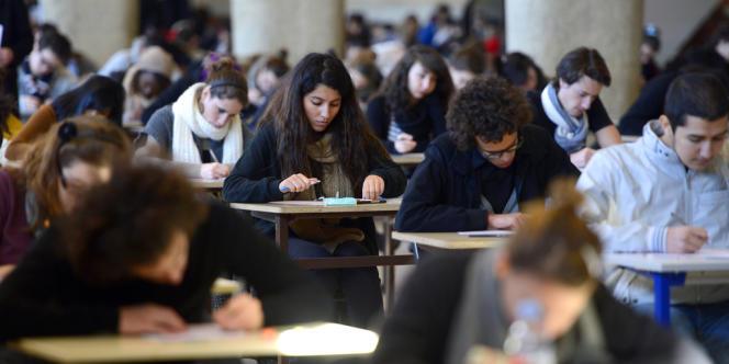 Examens à la faculté de médecine de Marseille en décembre 2012.