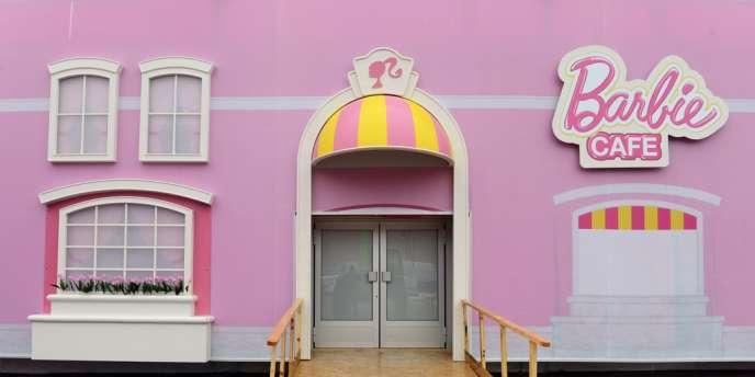 Dans quelques jours, le 16 mai précisément, Barbie s'intallera aux abords d'Alexanderplatz, à Berlin.