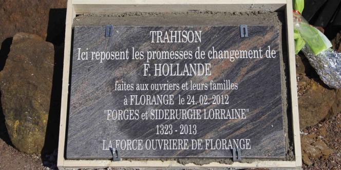 La stèle funéraire de FO, qui avait rapidement été enlevée du site en avril.