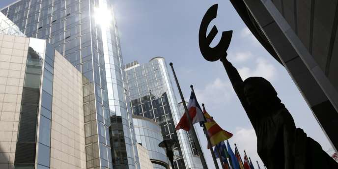 La France a obtenu vendredi un sursis de deux ans, soit jusqu'en 2015, pour atteindre ses objectifs budgétaires.