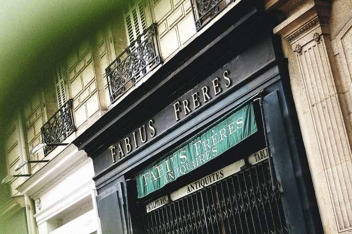 C'est  François, le frère de l'homme politique Laurent Fabius qui a repris la