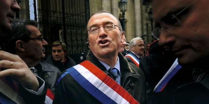 Hervé Mariton député de la Drôme devant le palais de l'Elysée le 23 janvier, lors d'une manifestation surprise contre le mariage pour tous.