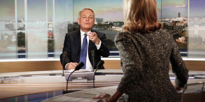 Jean-Marc Ayrault sur le plateau du journal de 20 heures de TF1, le 5 mai.