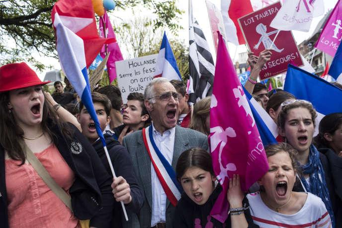 De 12 000 à 20 000 manifestants ont défilé contre le mariage homosexuel, à Rennes, dimanche 5 mai.