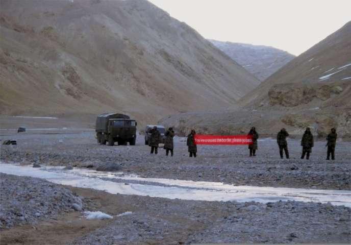 Des troupes chinoises au Ladakh, en Inde, le 5 mai. La zone est contestée depuis des décennies par les deux géants asiatiques.