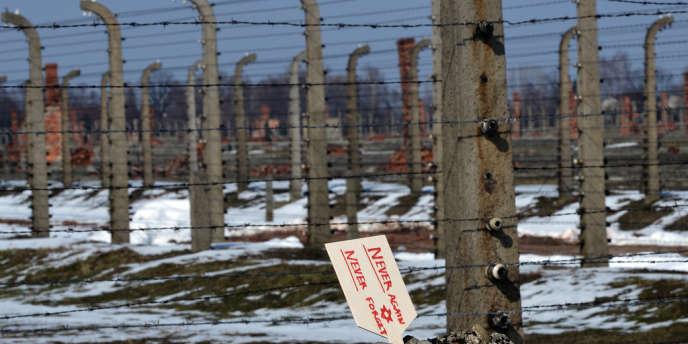 Dans l'ancien camp de concentration d'Auschwitz-Birkenau en Pologne, en avril.